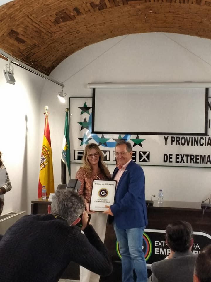 Casar de Cáceres ya tiene la distinción de 'Municipio emprendedor'