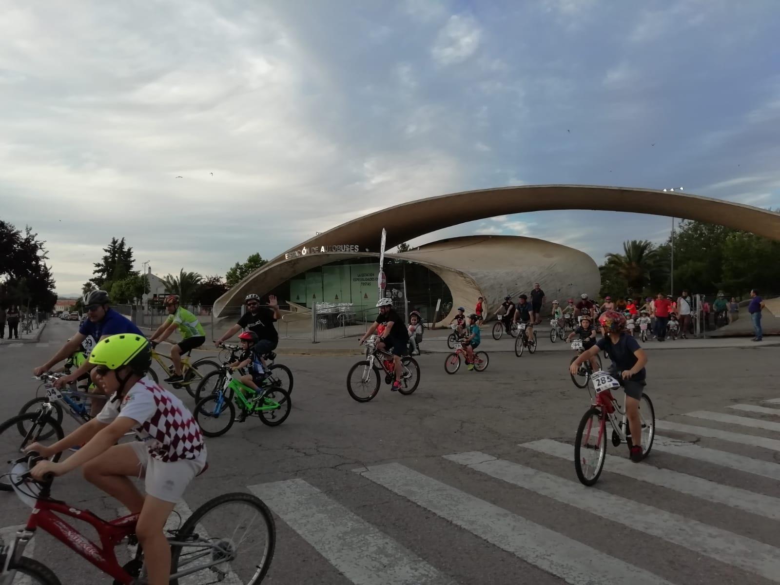 Casi 200 inscritos forman parte del Día de la Bicicleta