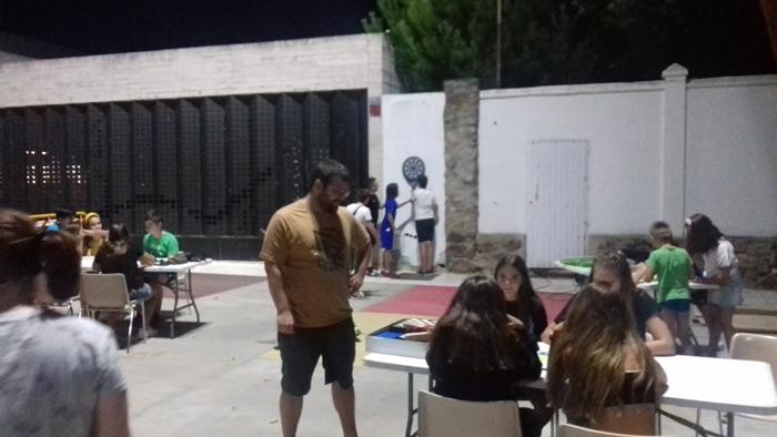 La concejalía de Juventud de Casar de Cáceres se rebela contra los móviles