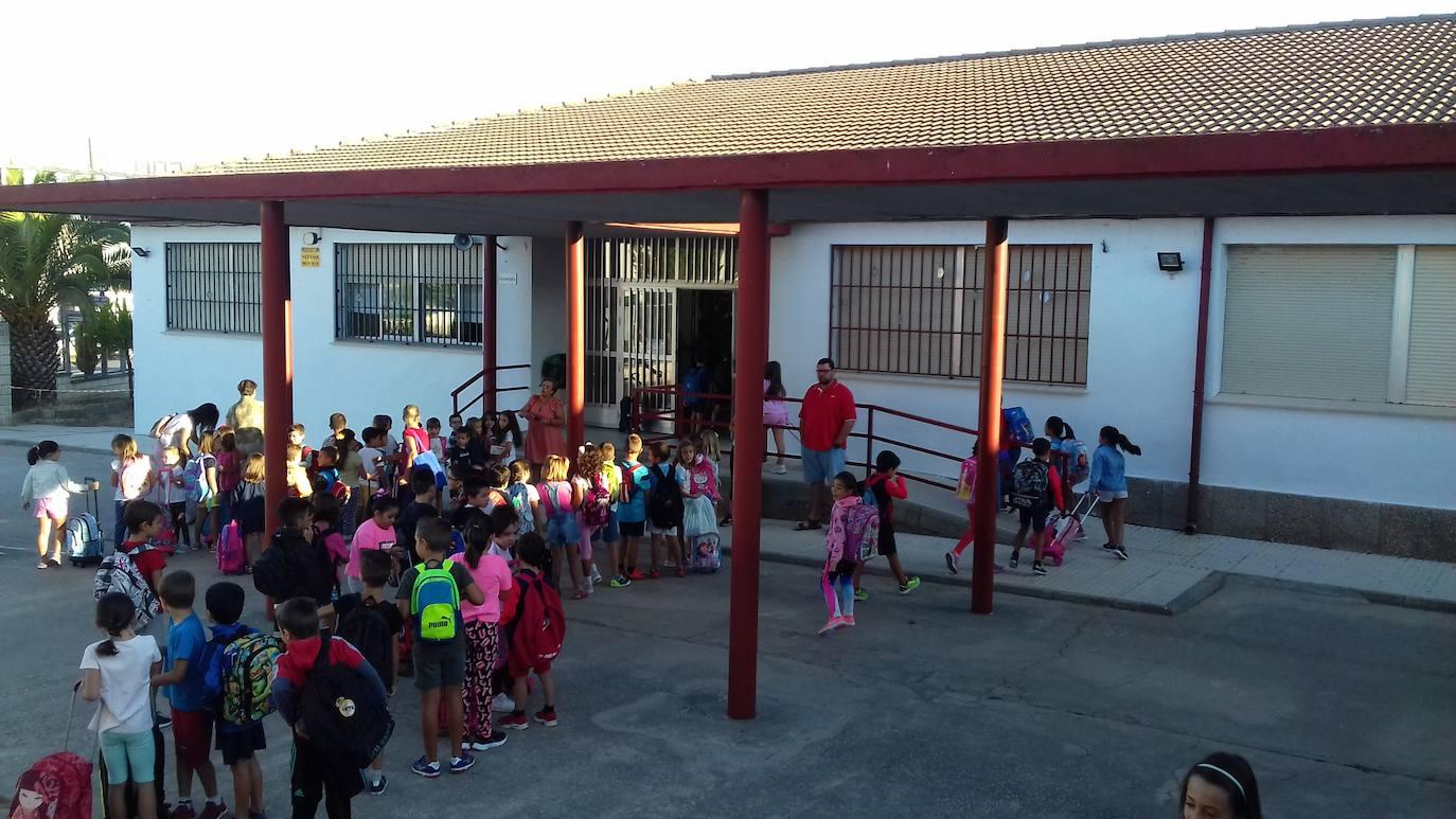 485 alumnos están matriculados este curso en el colegio e instituto