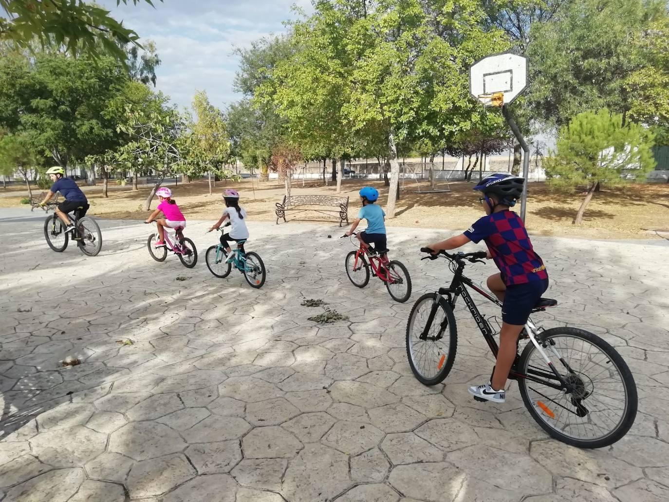 Casar de Cáceres realiza actividades para fomentar el uso de la bicicleta o el hábito de caminar