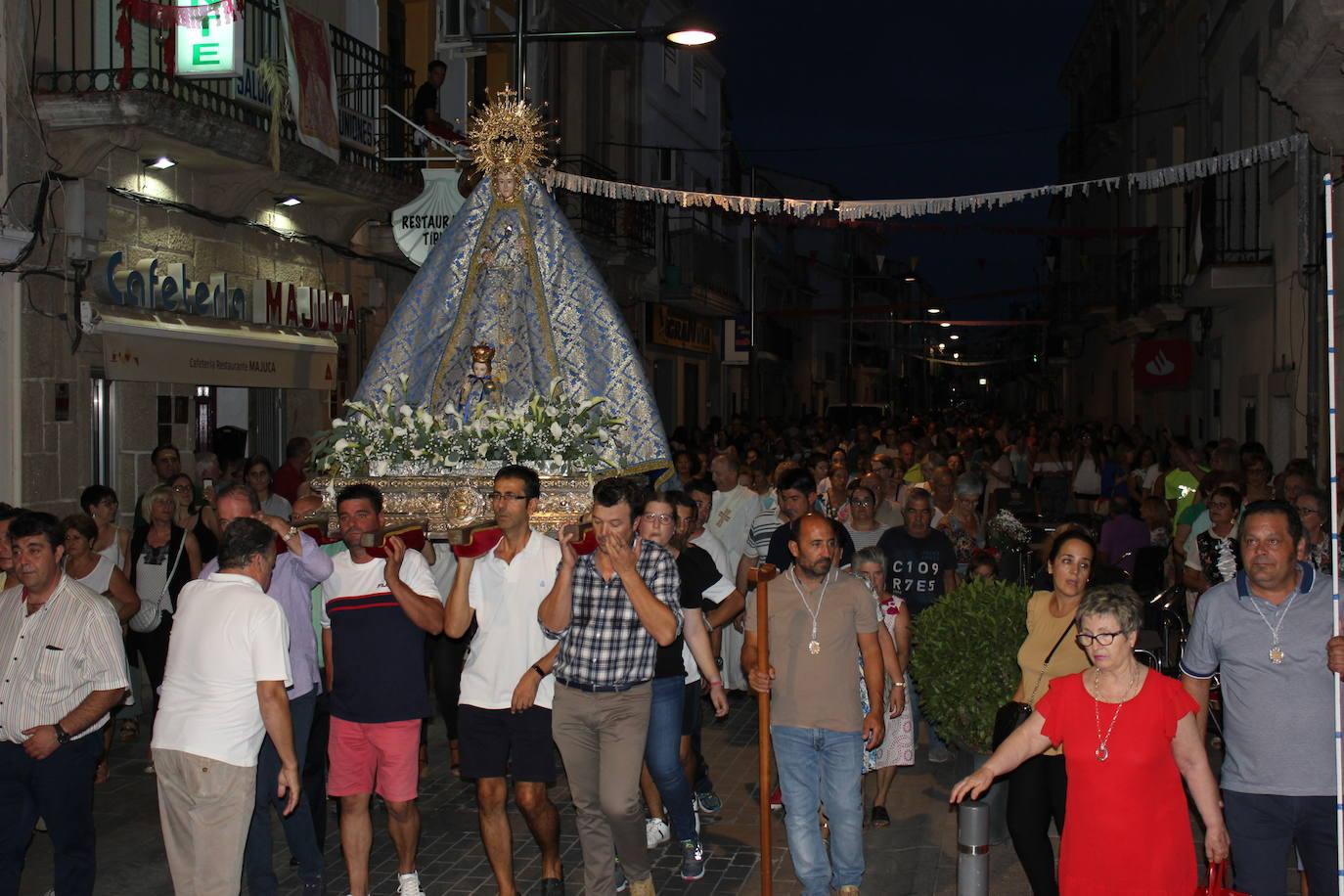 Multitudinario recibimiento a la Virgen del Prado