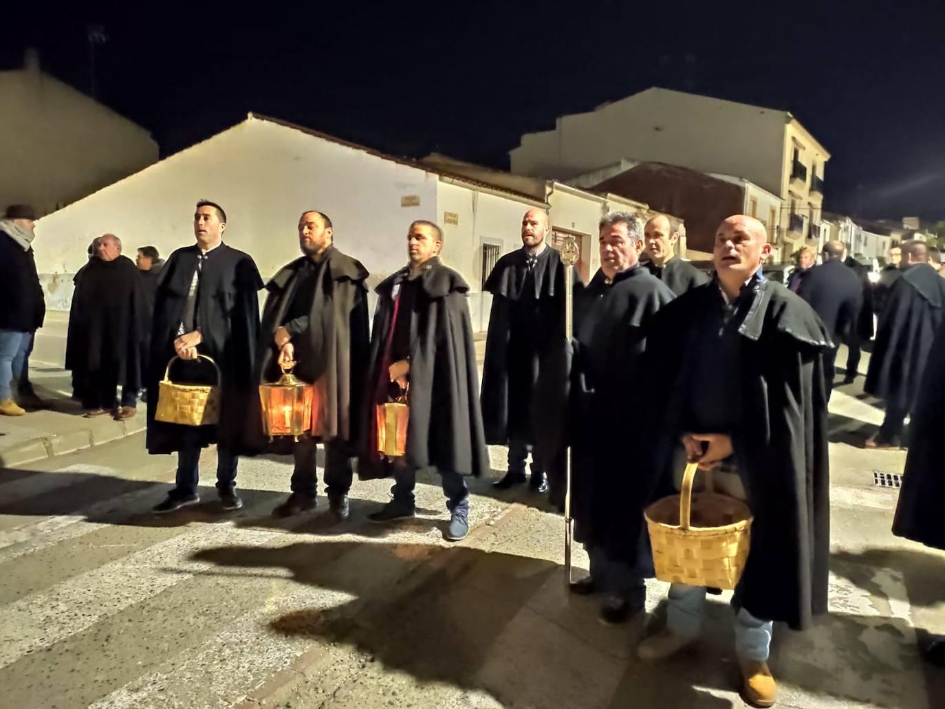 La Cofradía de Ánimas recauda 3.388 euros y varias pesetas en el Rezo de Reyes