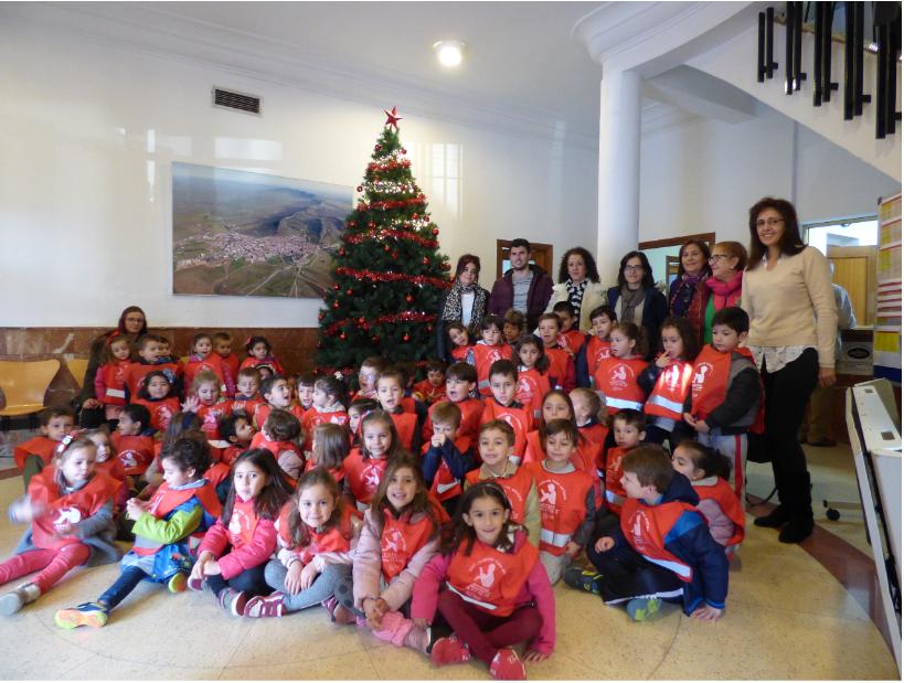 Los alumnos de Educación Primaria del Colegio Joaquín Tena Artigas visitaron el Ayuntamiento