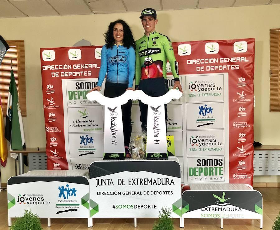 Casi 200 ciclistas volaron en la Ruta BTT 'Desafío La Buitrera' de Castuera