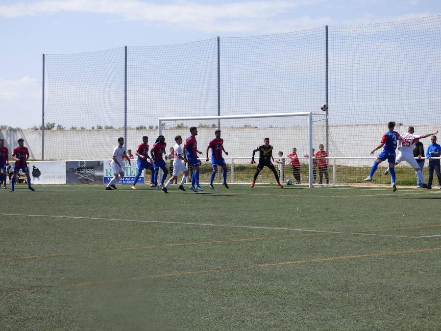 La efectividad del Extremadura hunde al Castuera (0-3)