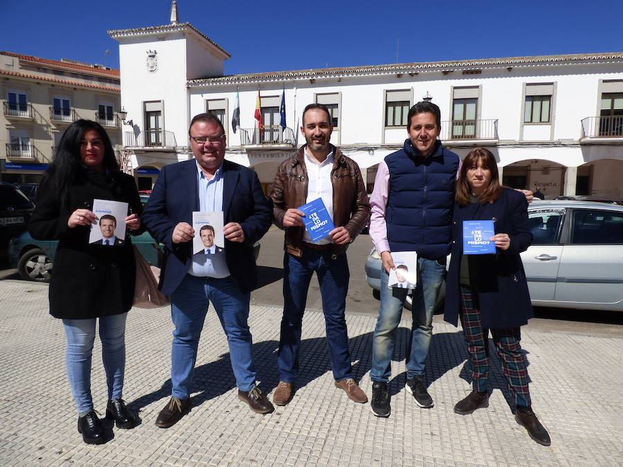 El número uno del PP al Congreso por Badajoz, Víctor Píriz, visitó Castuera y otras localidades de la comarca