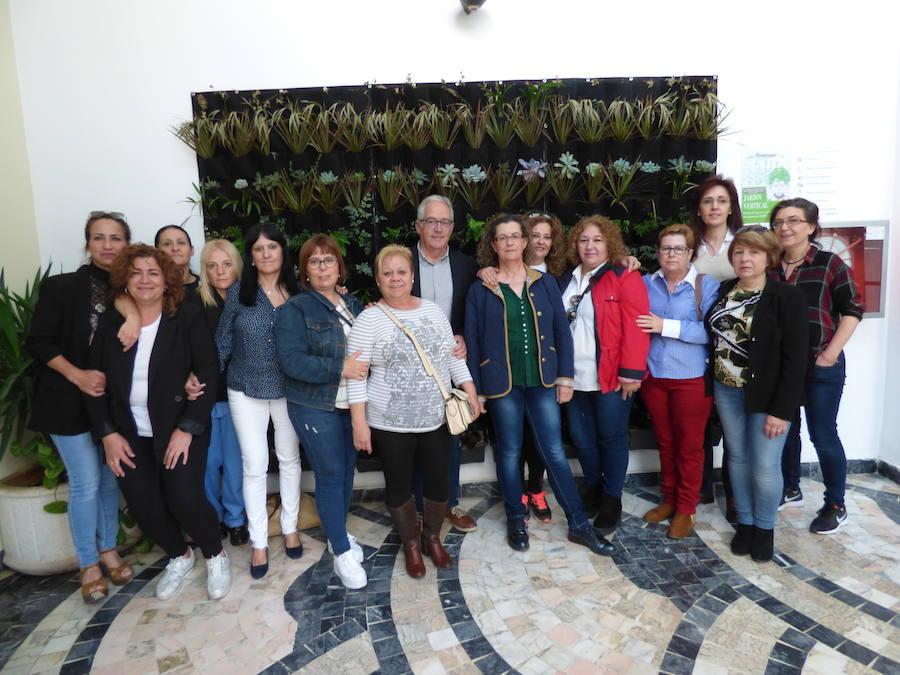 Quince mujeres desempleadas finalizan su formación en el Programa SARA de 'Jardinería Vertical'
