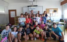 Miguel Hidalgo Fernández, alumno del colegio Joaquín Tena Artigas, ha sido finalista del Concurso Internacional de Dibujo Infantil de Aqualia