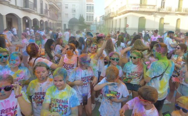 Participantes de la carrera 'Serena Color Run 2018'