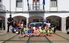 Los niños del Espacio Educativo Saludable visitan la Jefatura de la Policía Local