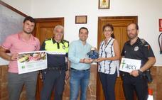 La Policía Local de Castuera se suma a una campaña contra el cáncer infantil