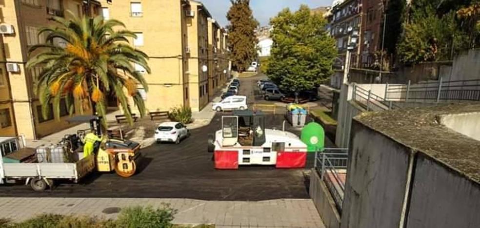 Continúan las obras de asfaltado en varias calles