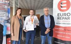 Manuel Fornet recibe un premio internacional en París