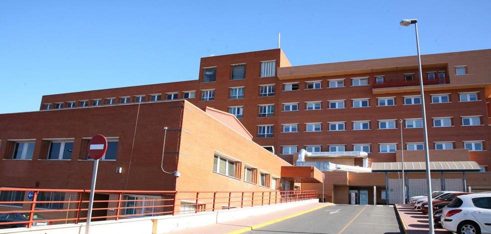 La gerente del Área de Salud de Coria niega que falten médicos en Urgencias y que no haya Radiología