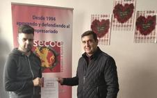 Asecoc entrega a los ganadores el premio San Valentín 'Comercio de Coria Enamora'
