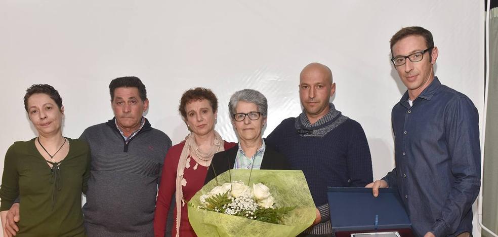 Juana Luisa Ramos recibió un cariñoso homenaje en el Día de la Mujer