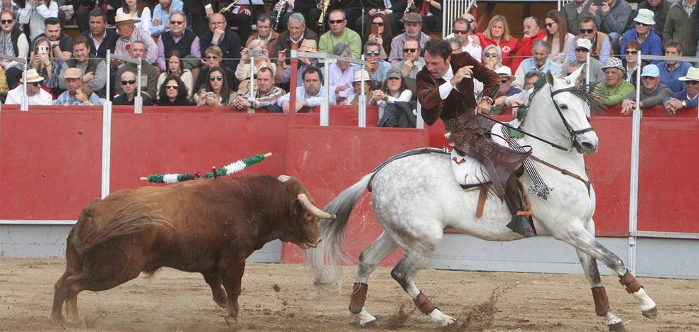 Gran tarde de toros en el Festival Taurino de la Feria Internacional del Toro de Coria