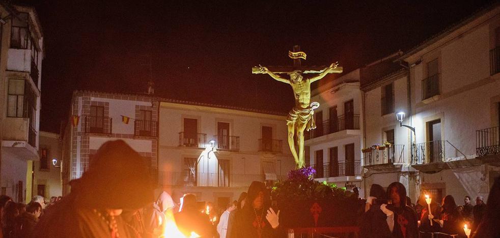 Esta noche a las once saldrá en Coria de Santiago Apóstol la procesión del Cristo de los Afligidos