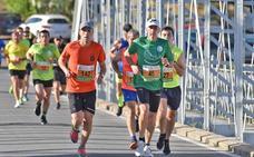 Houssame Benabbou gana la XI Media Maratón y bate el récord de la prueba