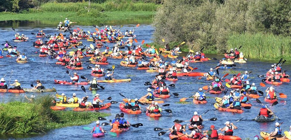 El Descenso del Alagón se convirtió un año más en la gran fiesta del verano