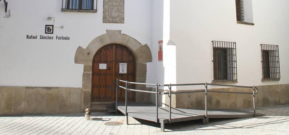 La biblioteca 'Rafael Sánchez Ferlosio' ofrece préstamos en red