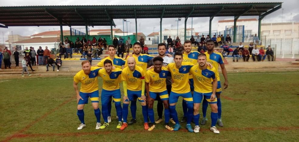 Derrota de la Unión en Torremegía tras recibir un gol en cada periodo (2-0)