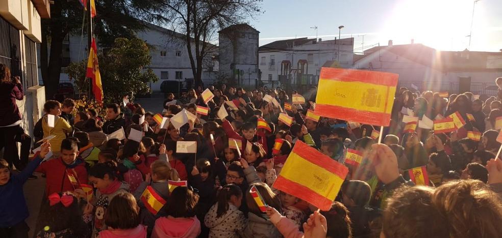 La Comunidad Educativa del San Francisco de Asís celebra la Constitución Española