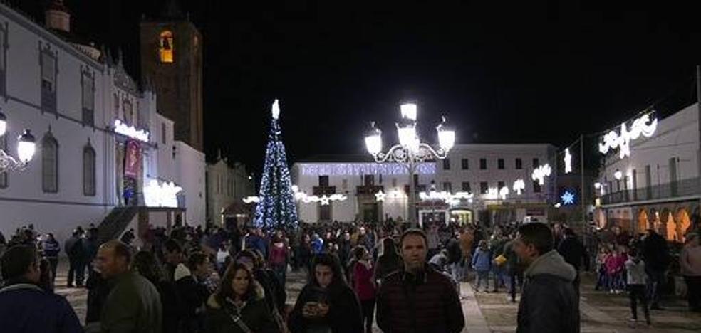 Fregenal de la Sierra luce un renovado alumbrado navideño
