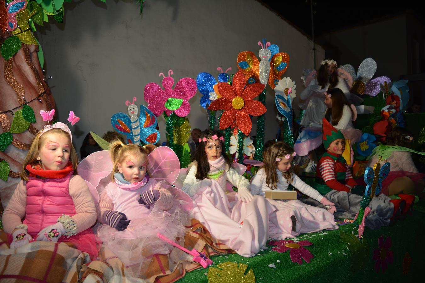 Los niños de Higuera la Real disfrutaron del paso de los Reyes Magos