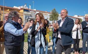 Juan Antonio Zoido y José Antonio Monago arropan a Tina Rodríguez en la presentación de su candidatura