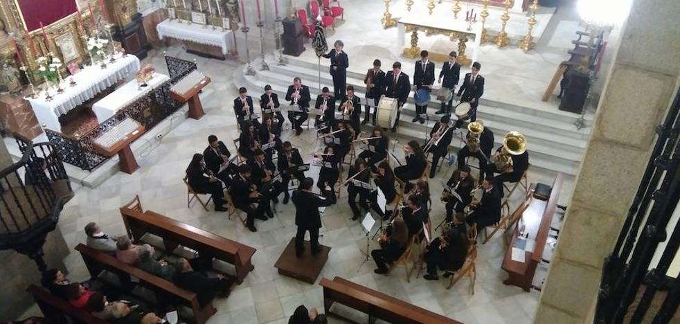 La Asociación Músico-Cultural de Fregenal de la Sierra en Higuera la Real