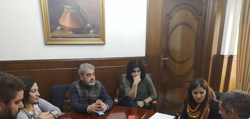 Isabel Gil Rosiña visitó la residencia de mayores, la cooperativa San Pedro y el estadio municipal
