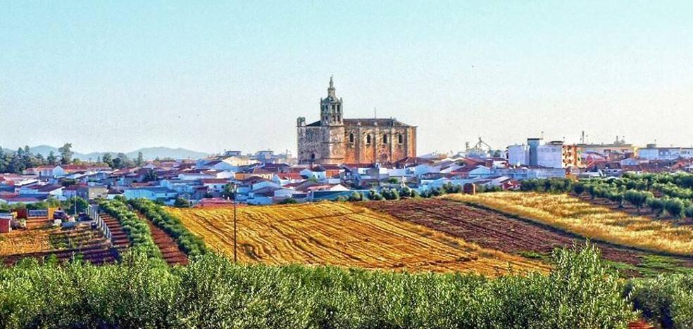 Las asociaciones y grupos políticos, partidarios de establecer negociaciones para fijar un convenio entre Guareña y Torrefresneda.