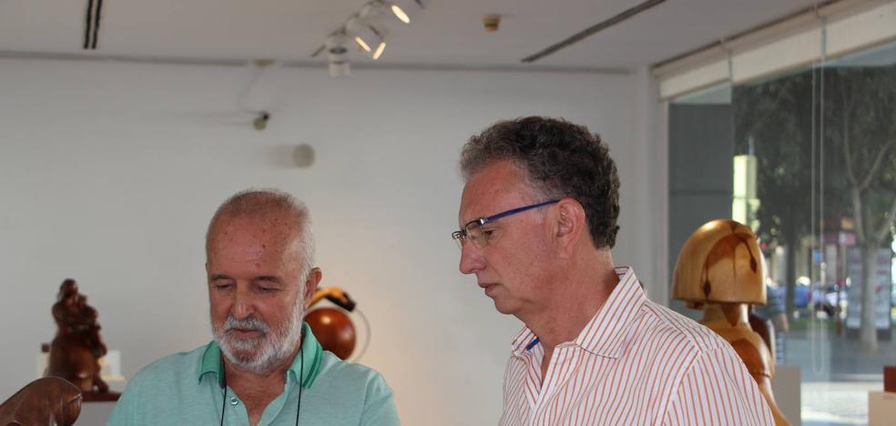 Pedro Monago abre hoy una exposición en Don Benito