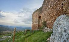 El castillo de Herrera del Duque abre en Semana Santa tras ser rehabilitado