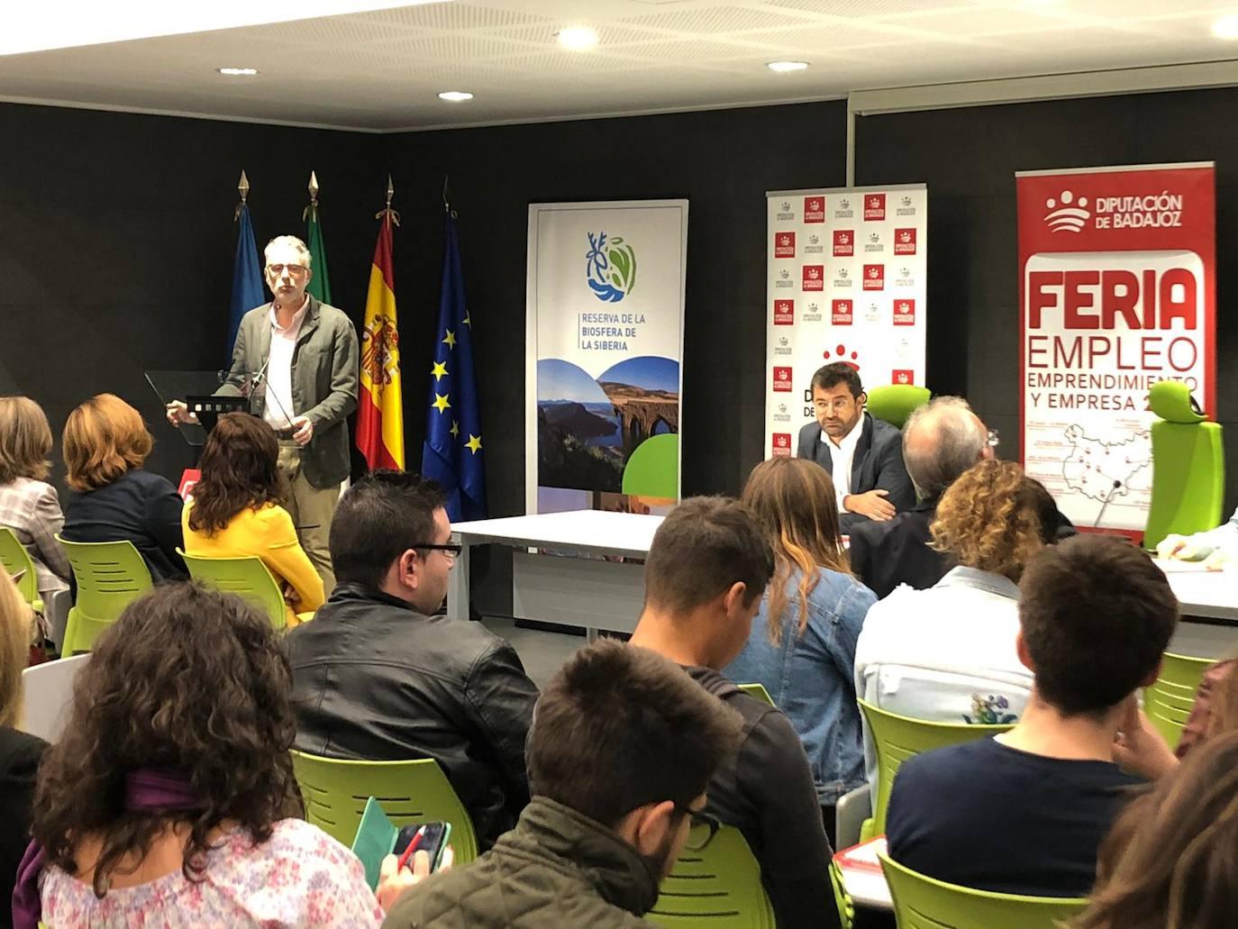 Más de cien personas participaron en la Feria de Empleo, Emprendimiento y Empresa 2019 de Herrera del Duque