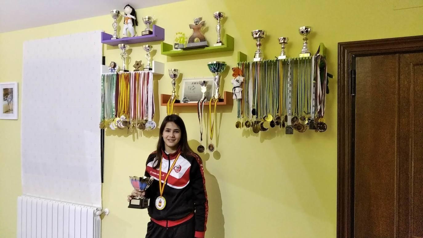 Paula del Toro: «Para mí es un orgullo y un reto poder representar a la selección nacional de karate en este campeonato europeo»