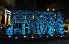 Herrera del Duque se tiñe de azul en conmemoración del Día de la Dislexia