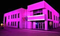 Herrera del Duque se tiñe de rosa para conmemorar el Día Mundial de la lucha contra el cáncer de mama