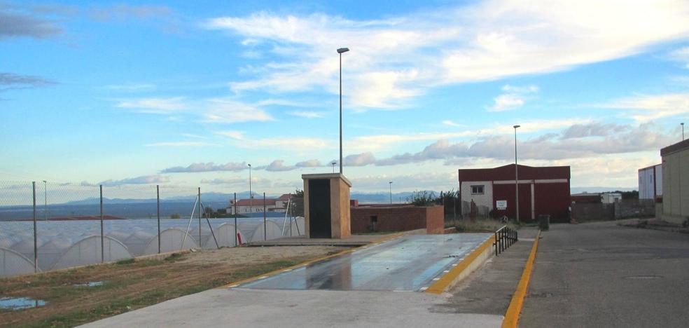 El Ayuntamiento rebaja el precio del uso de la báscula municipal