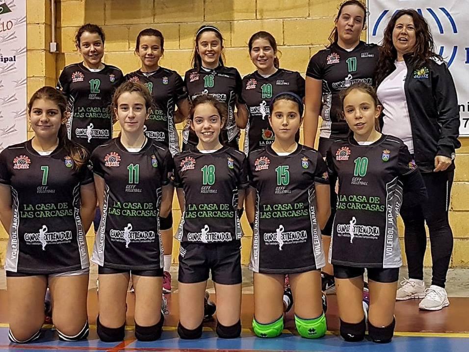 Victoria del Voleibol Jaraíz femenino infantil en Torrejoncillo
