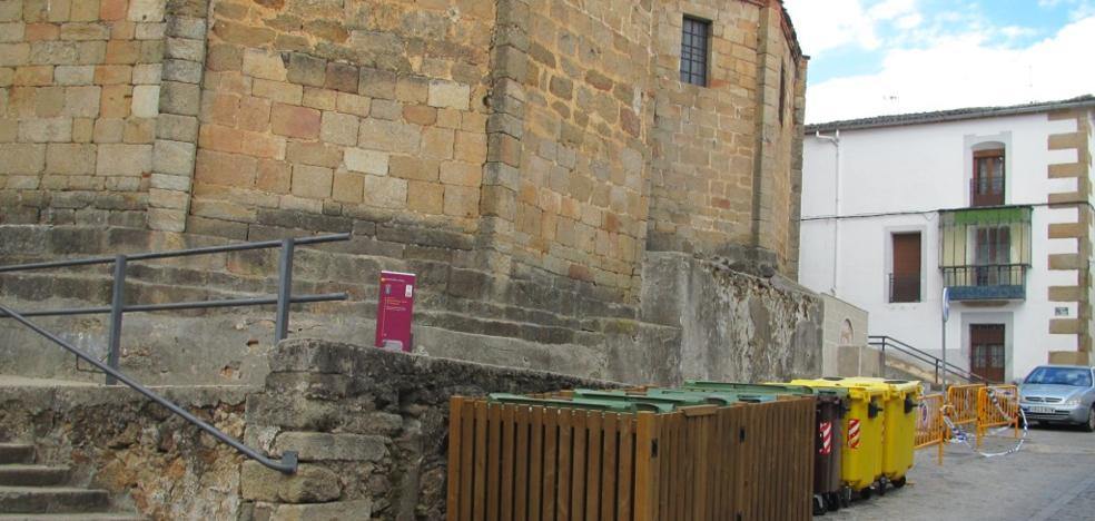 Los contenedores de la iglesia de Santa María se ocultarán
