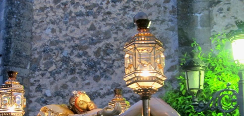 Esta noche, procesión del Santo Entierro