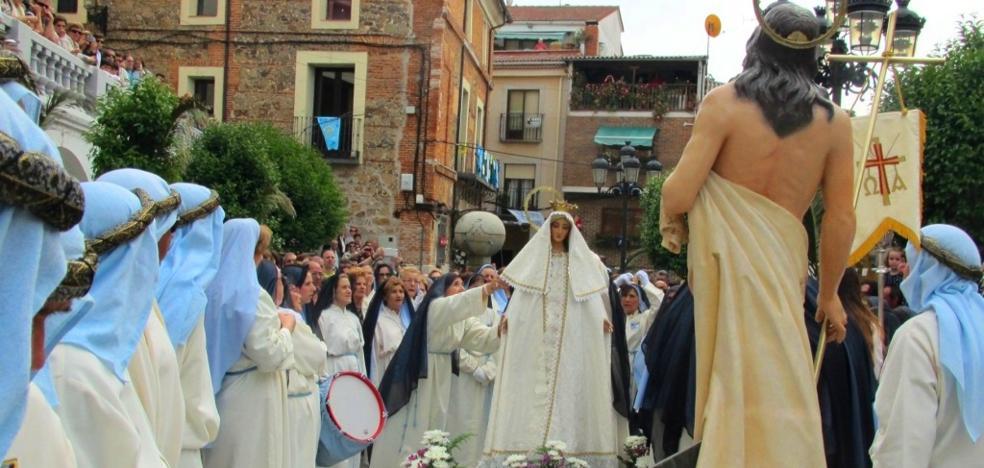 La procesión del Encuentro pone fin a la Semana Santa jaraiceña