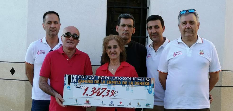La Junta de Cofradías recibe 1.347 euros del cross solidario y ruta senderista