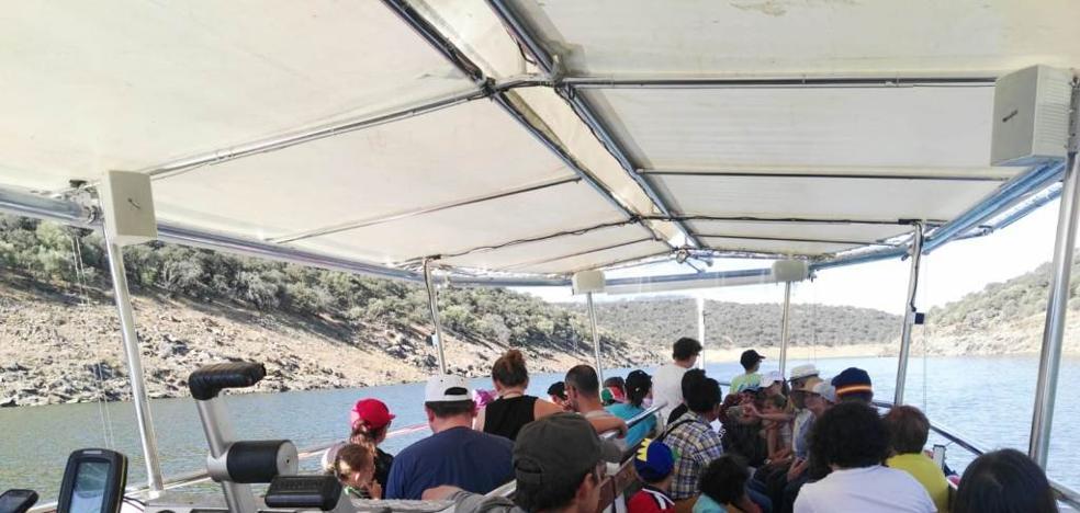 Alumnos del colegio Ejido navegan por el Tajo y visitan Monfragüe