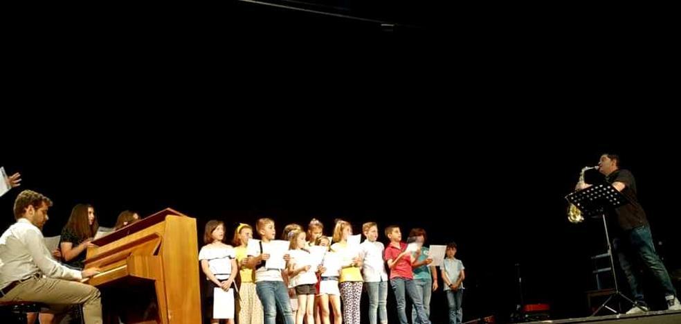 El concierto de fin de curso de la escuela de música fue un éxito