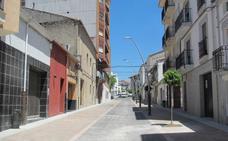 El tráfico en la avenida de Yuste y calle Soledad queda solo para los residentes