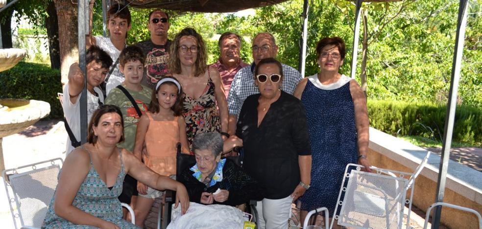 Victoria Almagro Herrera cumple un siglo